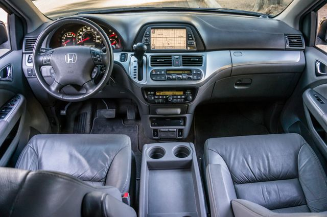 2010 Honda Odyssey Touring Reseda, CA 18
