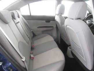 2010 Hyundai Accent 4-Door GLS Gardena, California 12
