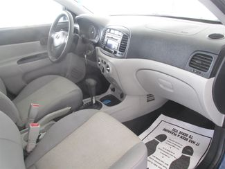 2010 Hyundai Accent 4-Door GLS Gardena, California 8