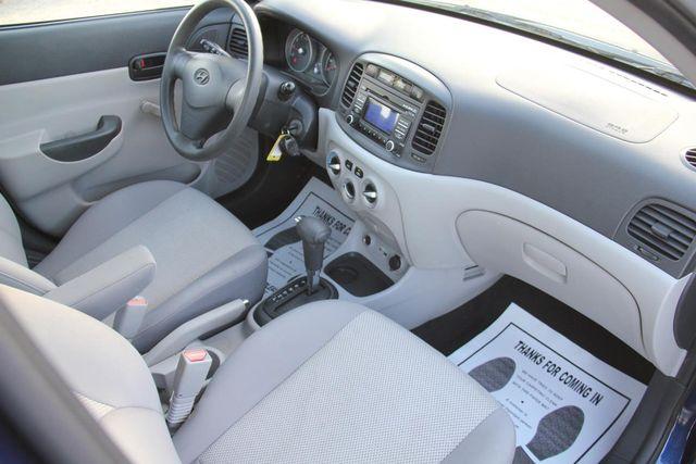 2010 Hyundai Accent 4-Door GLS Santa Clarita, CA 9