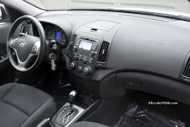 2010 Hyundai Elantra Touring SE Waterbury, Connecticut 16