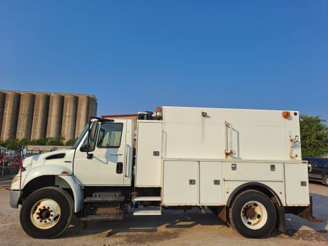 2010 International 4400 ENCLOSED HIGH - TOP SERVICE TRUCK in Fort Worth, TX
