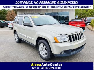 2010 Jeep Grand Cherokee Laredo 4X4 w/Leather in Louisville, TN 37777
