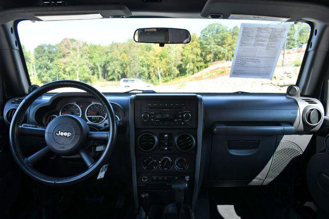 2010 Jeep Wrangler Unlimited Rubicon 4WD Naugatuck, Connecticut 15