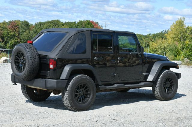 2010 Jeep Wrangler Unlimited Rubicon 4WD Naugatuck, Connecticut 6
