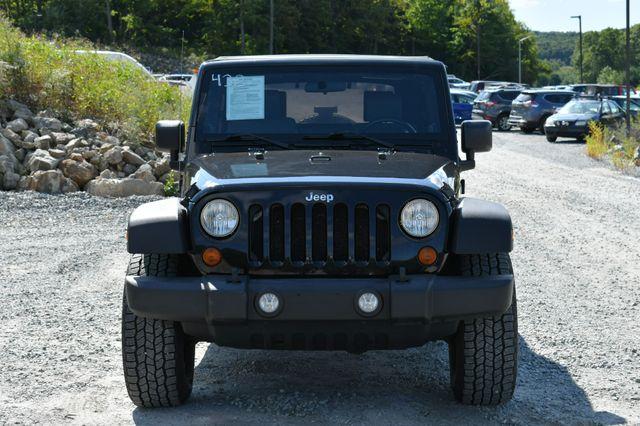 2010 Jeep Wrangler Unlimited Rubicon 4WD Naugatuck, Connecticut 9