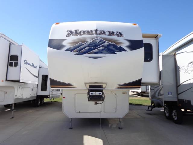 2010 Keystone Montana 3400RL Mandan, North Dakota 0