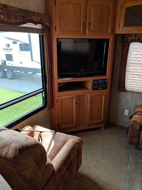 2010 Kz Durango 305SB Mandan, North Dakota 6
