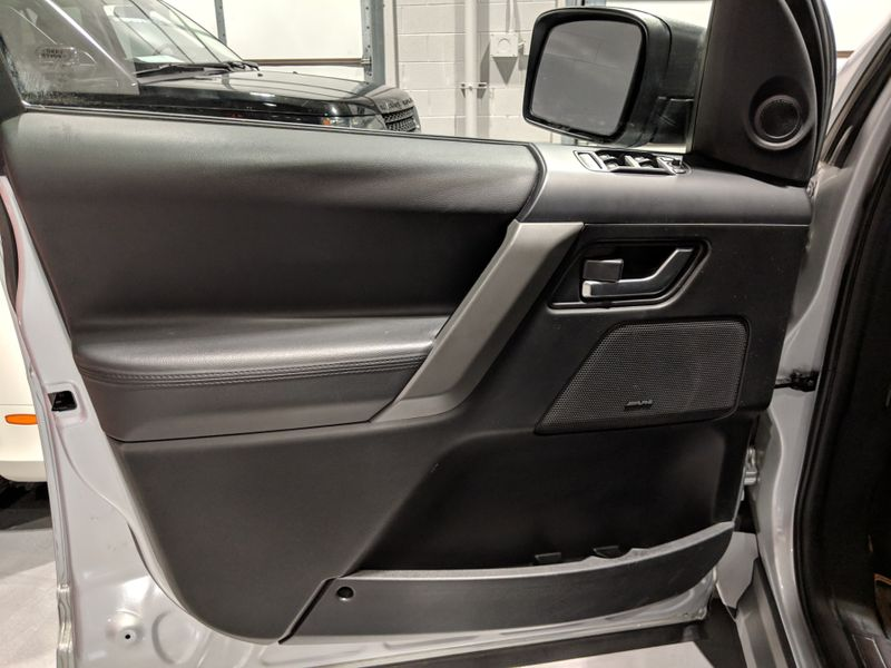 2010 Land Rover LR2 HSE  Lake Forest IL  Executive Motor Carz  in Lake Forest, IL
