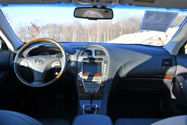 2010 Lexus ES 350 Naugatuck, Connecticut 13