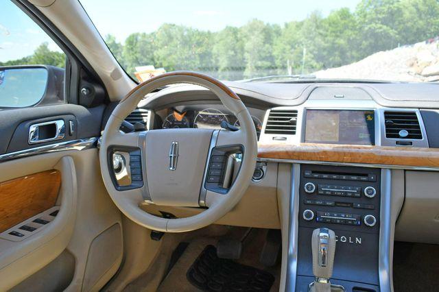 2010 Lincoln MKS AWD Naugatuck, Connecticut 17