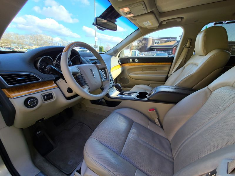 2010 Lincoln MKT V6 AWD Local 1 Owner 55000 Miles Seats 7 Nice Options   city Washington  Complete Automotive  in Seattle, Washington