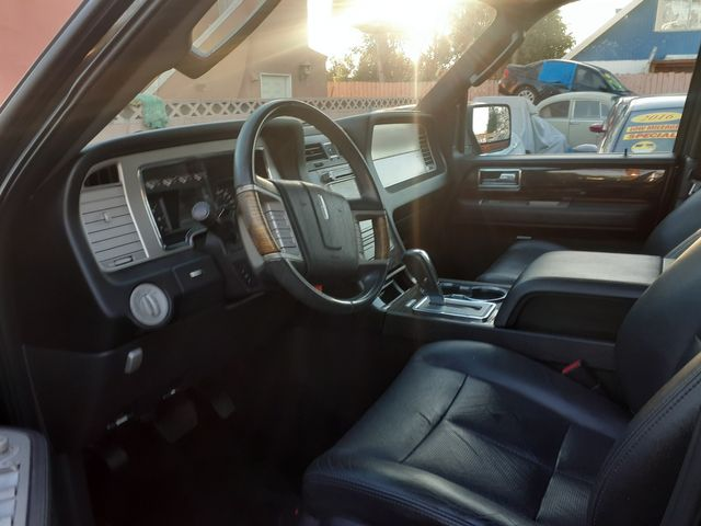 2010 Lincoln Navigator Los Angeles, CA 3