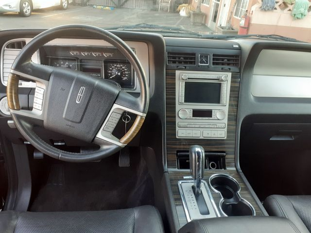2010 Lincoln Navigator Los Angeles, CA 10