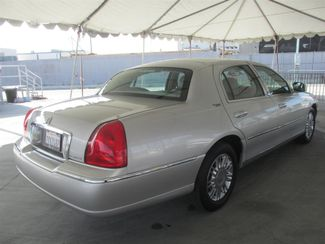 2010 Lincoln Town Car Signature Limited Gardena, California 2