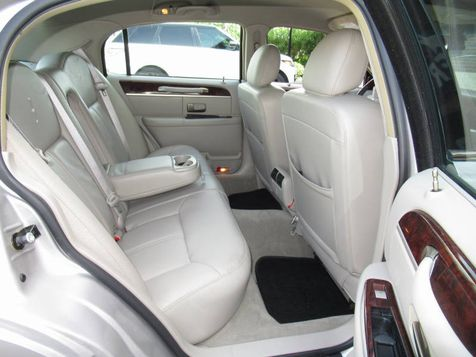 2010 Lincoln Town Car Signature Limited | Houston, TX | American Auto Centers in Houston, TX