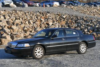 2010 Lincoln Town Car Signature Limited Naugatuck, Connecticut
