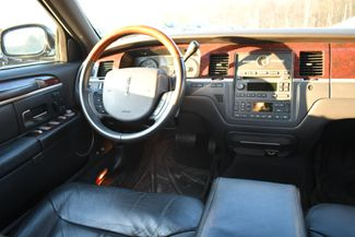 2010 Lincoln Town Car Signature Limited Naugatuck, Connecticut 13