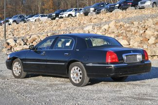 2010 Lincoln Town Car Signature Limited Naugatuck, Connecticut 2