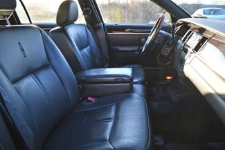 2010 Lincoln Town Car Signature Limited Naugatuck, Connecticut 9
