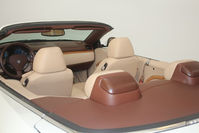 2010 Maserati GranTurismo Convertible Houston, Texas 13