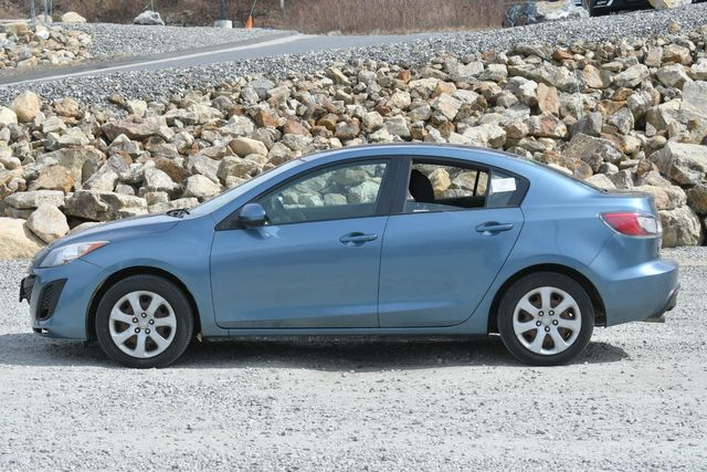 2010 Mazda Mazda3 i Sport Naugatuck, Connecticut 1
