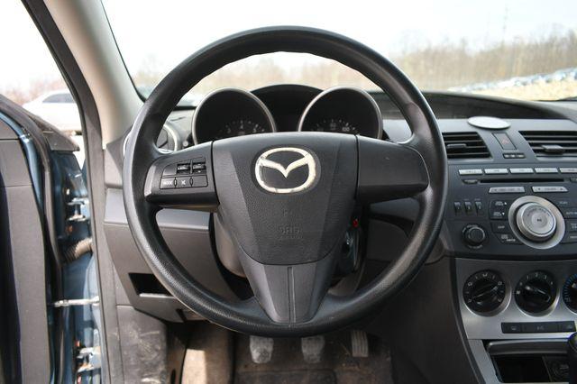 2010 Mazda Mazda3 i Sport Naugatuck, Connecticut 10