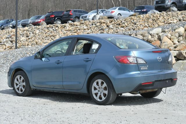 2010 Mazda Mazda3 i Sport Naugatuck, Connecticut 2
