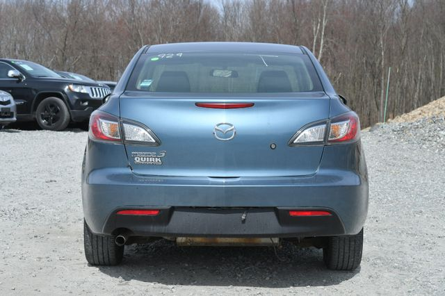 2010 Mazda Mazda3 i Sport Naugatuck, Connecticut 3