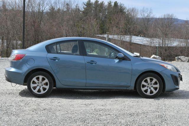 2010 Mazda Mazda3 i Sport Naugatuck, Connecticut 5
