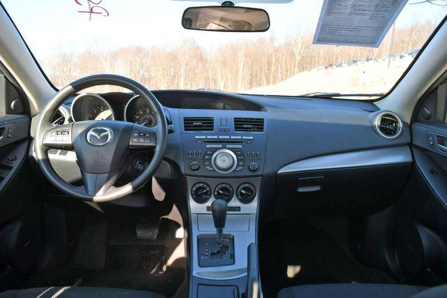 2010 Mazda Mazda3 i Touring Naugatuck, Connecticut 12