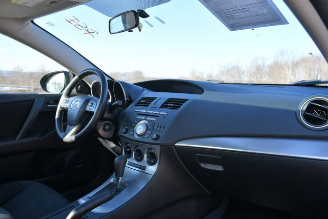 2010 Mazda Mazda3 i Touring Naugatuck, Connecticut 8