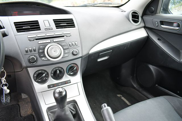 2010 Mazda Mazda3 i Touring Naugatuck, Connecticut 17