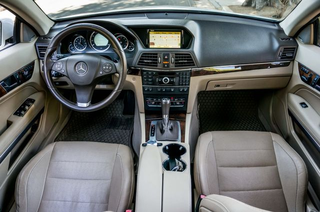 2010 Mercedes-Benz E 550 in Reseda, CA, CA 91335