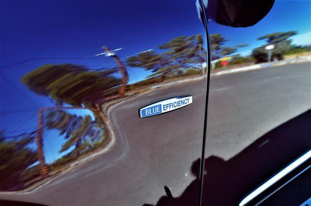 2010 Mercedes-Benz GL 350 BlueTEC in Reseda, CA, CA 91335