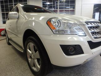 2010 Mercedes Ml350 4-Matic VERY SHARP, CLEAN AND  SOLID!~ Saint Louis Park, MN 19