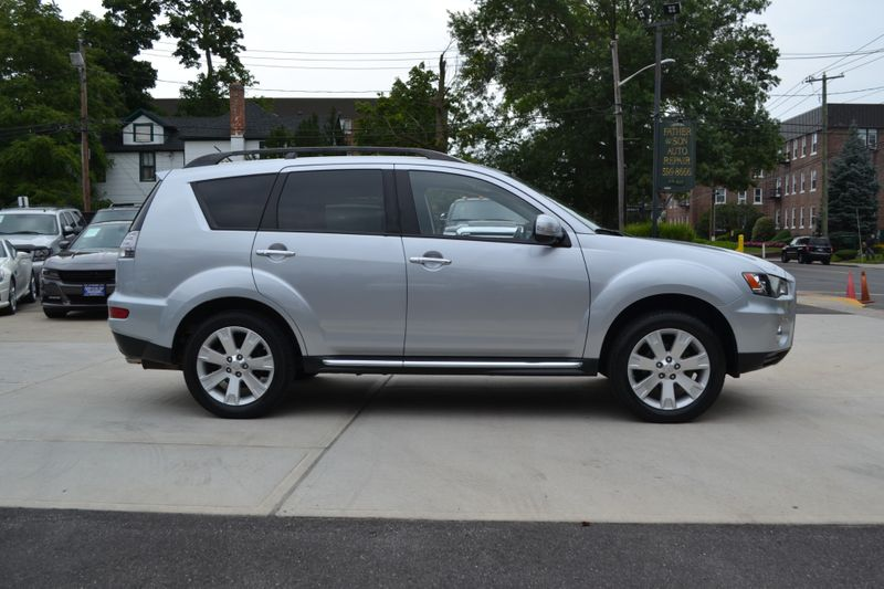 2010 Mitsubishi Outlander SE  city New  Father  Son Auto Corp   in Lynbrook, New