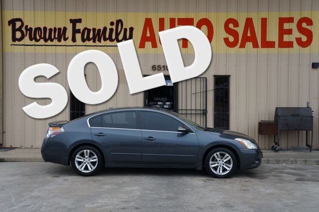 2010 Nissan Altima 3.5 SR | Houston, TX | Brown Family Auto Sales in Houston TX