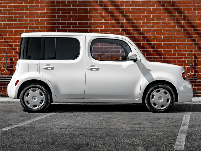 2010 Nissan cube 1.8 S Burbank, CA 4
