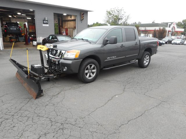 2010 Nissan Titan SE New Windsor, New York 1