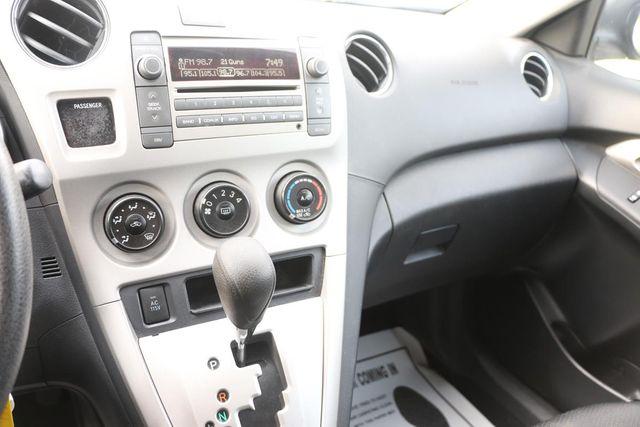 2010 Pontiac Vibe w/1SB Santa Clarita, CA 17