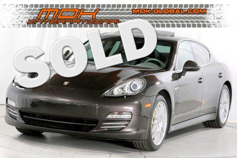 2010 Porsche Panamera 4S - Heavily optioned - Original MSRP of $137975 in Los Angeles