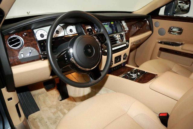 2010 Rolls-Royce Ghost Houston, Texas 14