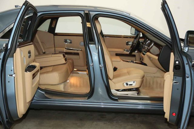 2010 Rolls-Royce Ghost Houston, Texas 24
