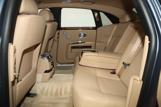 2010 Rolls-Royce Ghost Houston, Texas 16