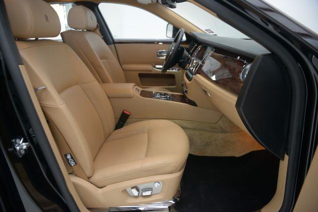 2010 Rolls-Royce Ghost Houston, Texas 35