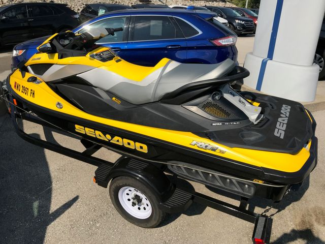 2010 Sea Doo RXT-iS in Gower Missouri, 64454