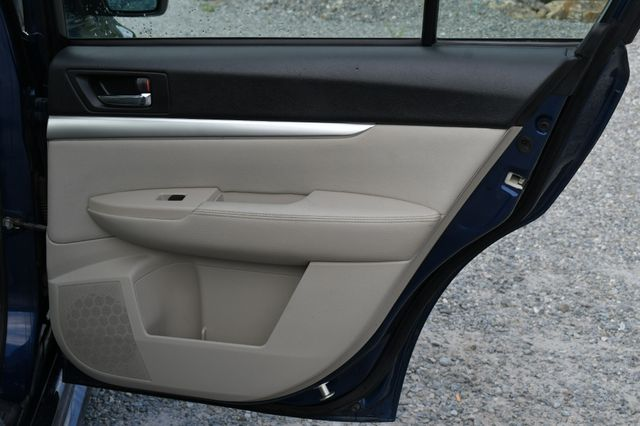 2010 Subaru Legacy AWD Naugatuck, Connecticut 12