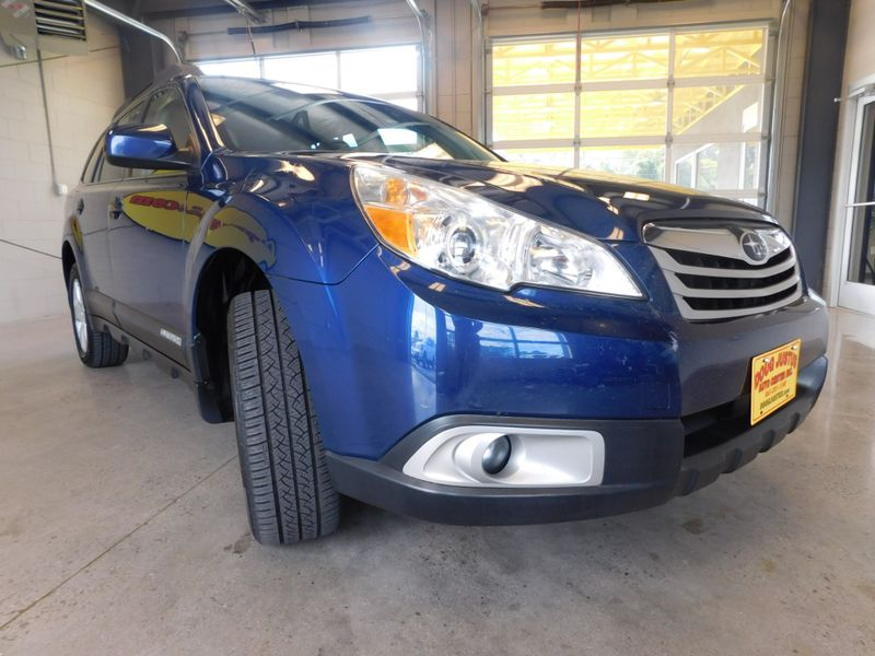 2010 Subaru Outback Prem All-WeathrPwr Moon  city TN  Doug Justus Auto Center Inc  in Airport Motor Mile ( Metro Knoxville ), TN