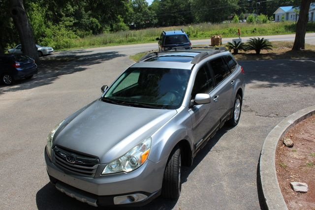 2010 Subaru Outback Limited Power Moon